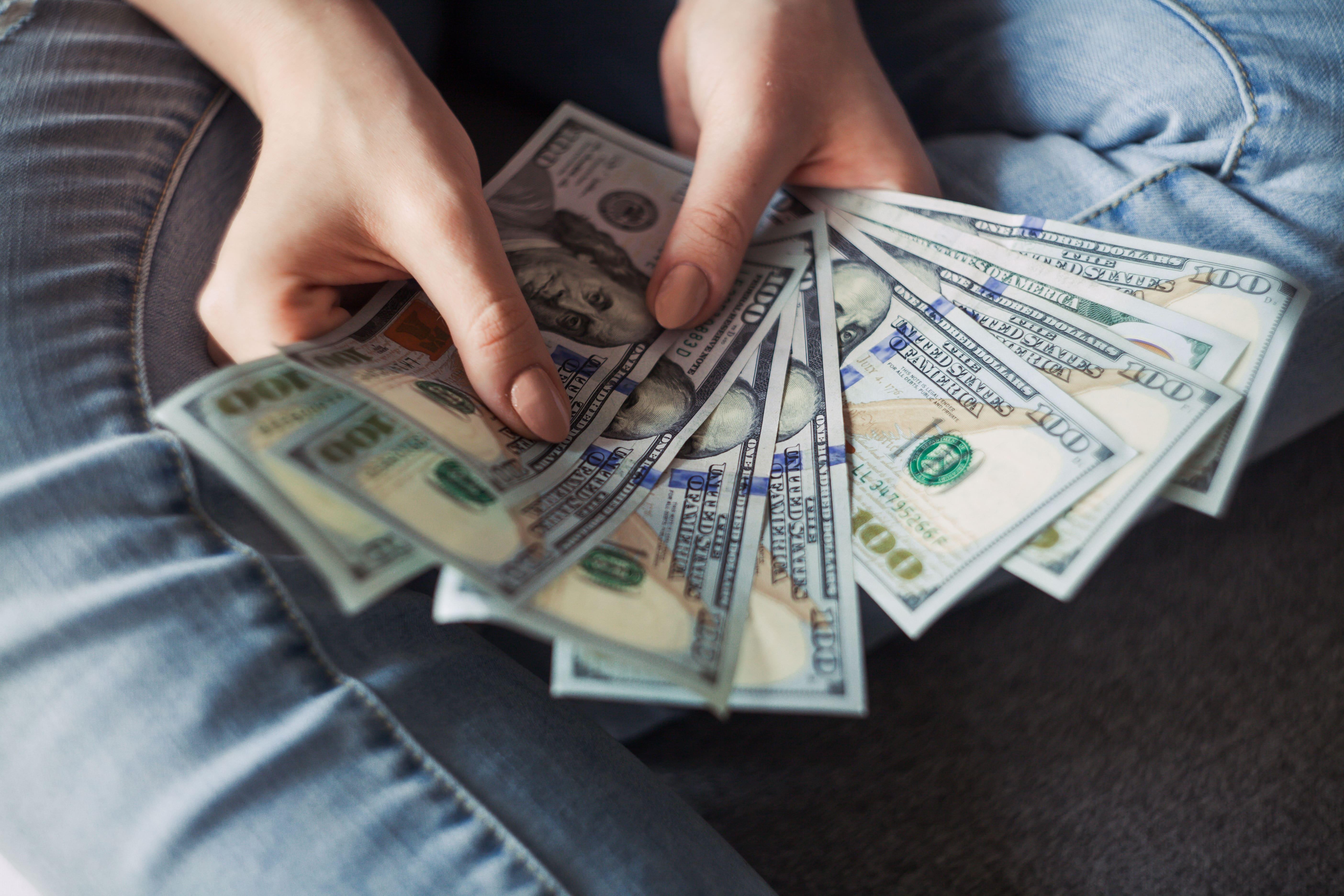 【プロが実践】コスト削減を実現する2つの方法とは?