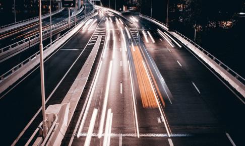 高速道路料金の経費削減|旅費交通費のなかでも削減しやすいコストのしくみや削減アイデアを徹底解説