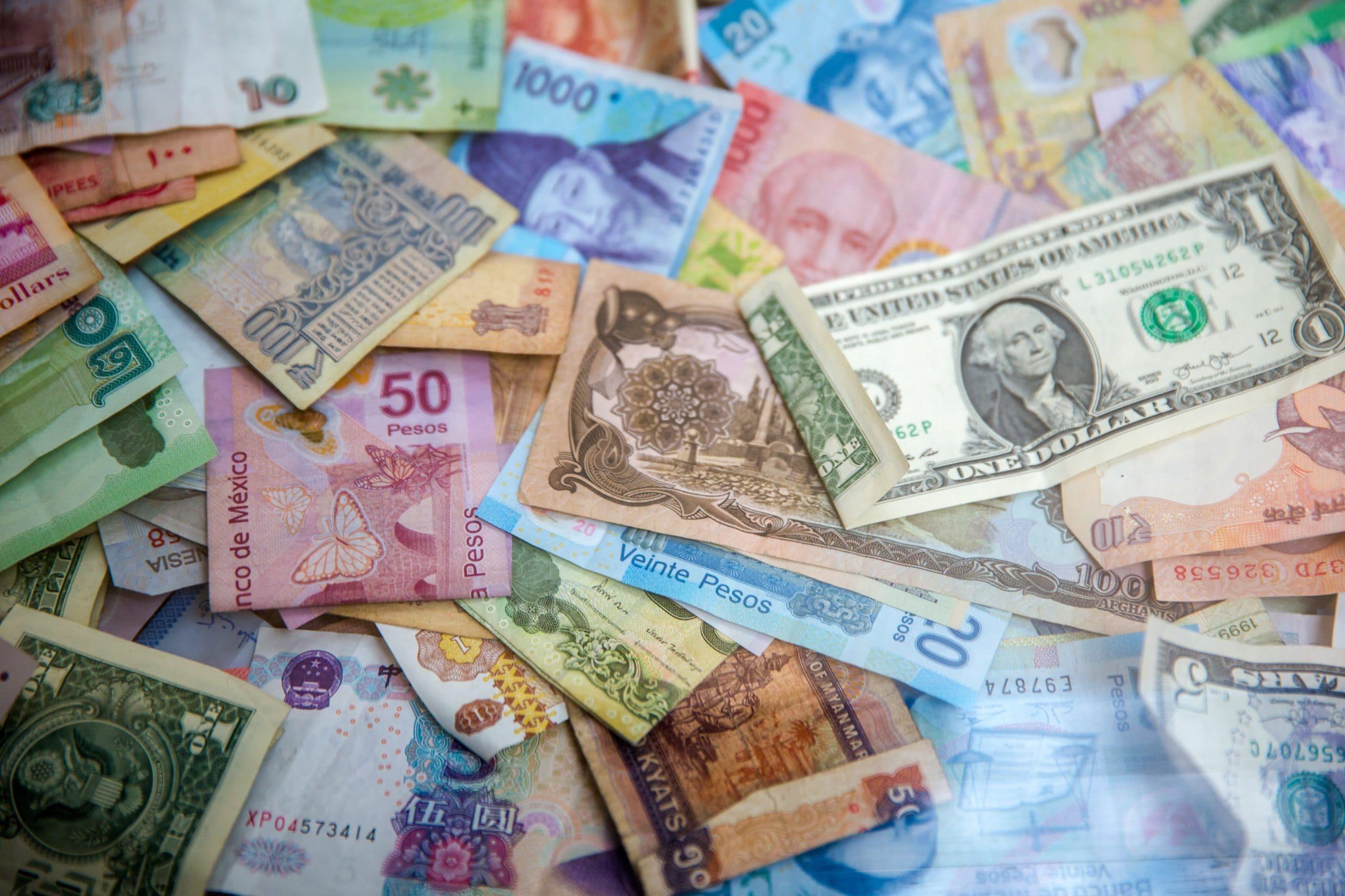 海外送金の手数料や安い方法・サービス比較まで コルレス契約や中継銀行、PaypalやTransferWiseの特徴を解説