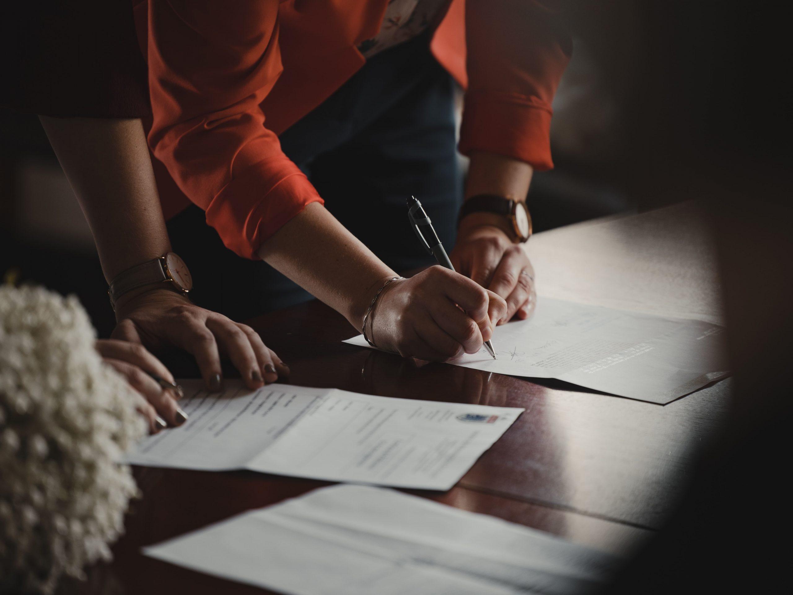 見積比較とは?見積書のポイント、価格や契約内容の比較方法を徹底解説